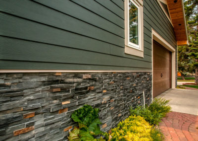 James Hardie Siding - Iron Gray - Lake Bonaventure